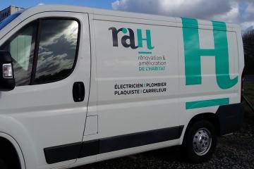 Habillage adhésif et numérique coté RAH